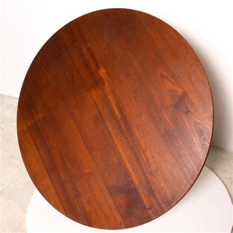Table finished with two coats of penetrating oil on the legs as a guy who doesn't drink a whole lot of coffee, i've built a surprisingly large number of coffee tables. Mid Century Danish Modern Round Coffee Table Solid Teak Wood, Rar | AMBIANIC mid century modern ...