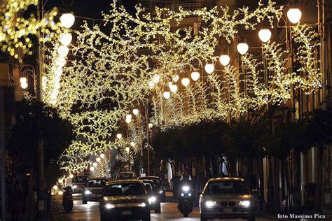 illuminazioni salerno salerno le d artista arrivano fino in via san leonardo
