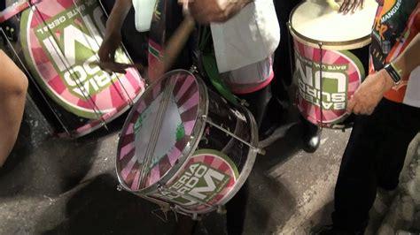 Mangueira Bateria Surdo Um Ensaio 05 02 2012 - YouTube