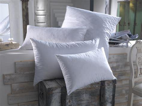 des oreillers comment choisir la taille et la forme de oreiller