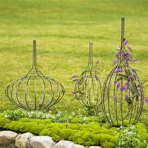 Topiary Garden Forms - Traditional - Garden Statues And