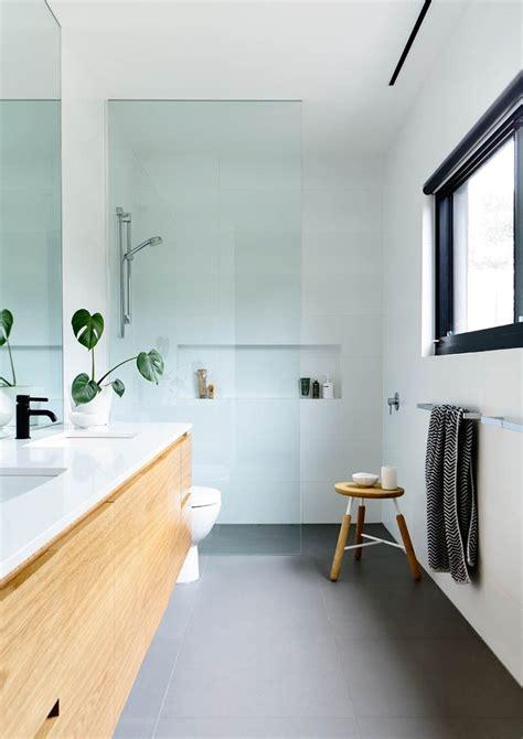 standard height   shower niche
