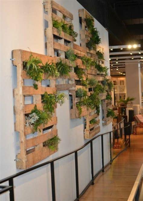 le mur vegetal en palette idees originales pour
