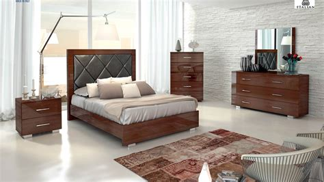 Made In Italy Wood Modern High End Furniture Indianapolis