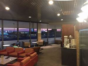 Admirals Club Chicago ORD Terminal 3 Review - Monkey Miles