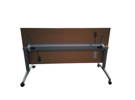 bureau roulettes table pliante à roulettes adopte un bureau