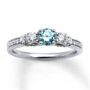 light blue engagement rings blue engagement ring diamantbilds