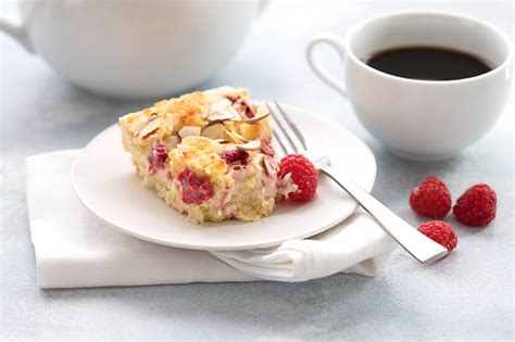 /b spread raspberry preserves carefully over cream cheese filling. Keto Raspberry Cream Cheese Coffee Cake | All Day I Dream About Food