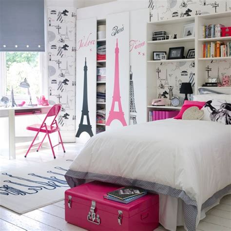 Paris Theme Girl's Bedroom  Teenage Girls Bedroom Ideas
