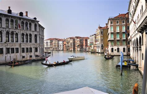 grand canapé the grand canal italy gets ready