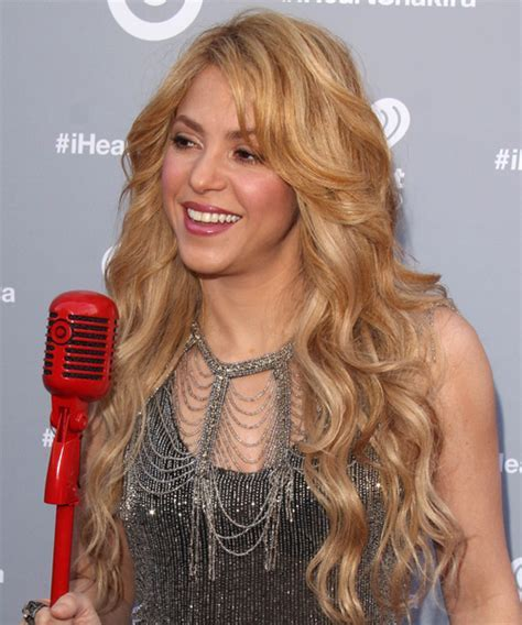 Shakira Long Wavy Casual Hairstyle   Medium Blonde (Golden