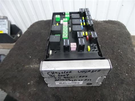 Fuse Box In Chrysler Voyager used chrysler voyager fuse box 05144579aca