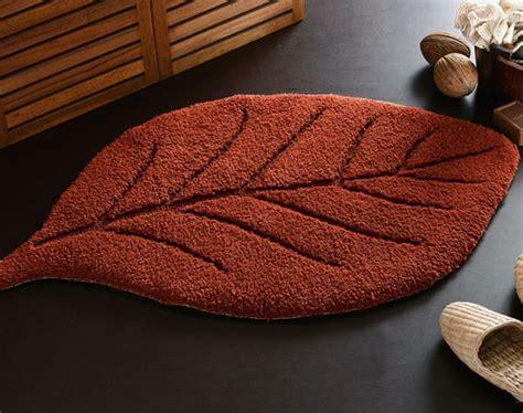 tapis de bain feuille 900 g m2 becquet