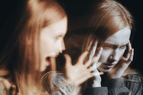signs  schizophrenia  teens mental health
