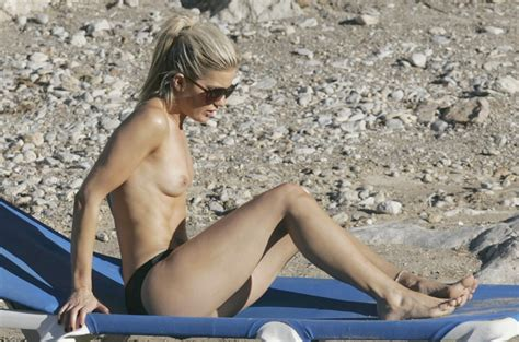 Stephanie nackt Lawlor =>> Naked