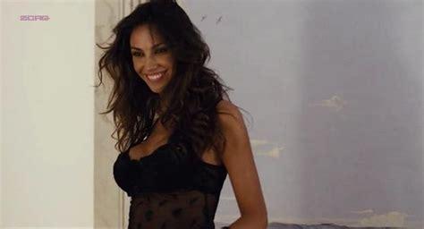 Nude Video Celebs Madalina Diana Ghenea Sexy I Soliti Idioti Il Film 2011