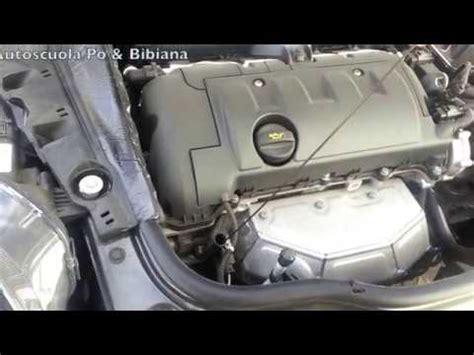 controllo e rabbocco livello liquidi auto doovi