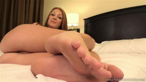 naked girl with sexy feet farrah flower eporner