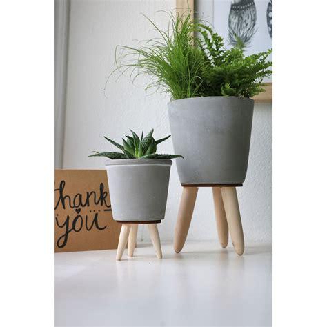 Cache Pot Sur Pied Cache Pot Ciment Sur Pied Bois 248 8 Ht 11cm Florimat