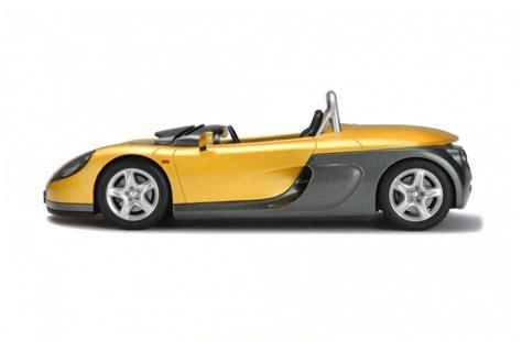 Renault Megane Sport Tourer boot - Wheel World Reviews