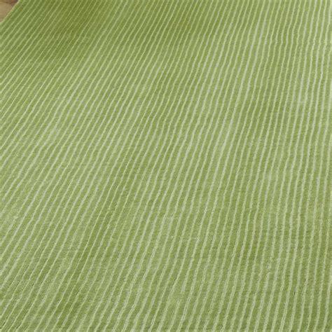tapis contemporain haut de gamme tapis haut de gamme vert bellagio green par joseph lebon