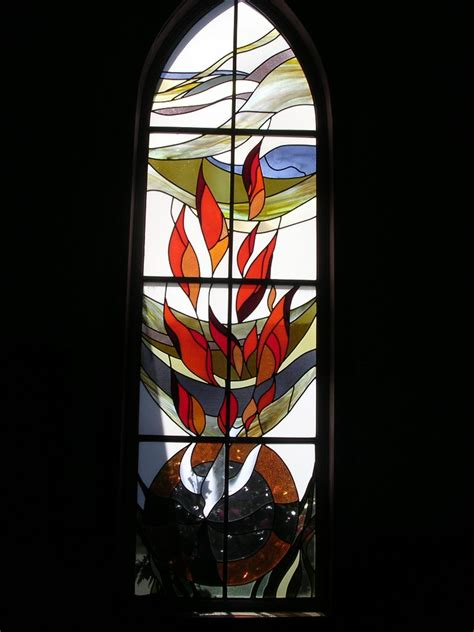 trinity lutheran church stained glass windows