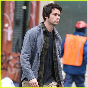 dylan o brien bumblebee dylan o brien will provide the voice of bumblebee in new