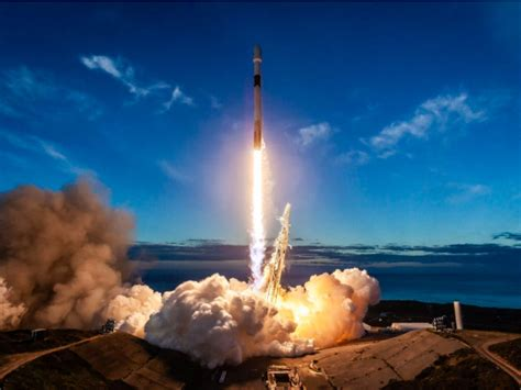 spacex falcon  rocket blasts  delivers  satellites