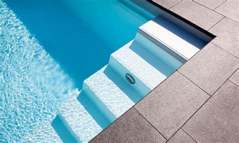 pool treppe nachrüsten viel platz zum schwimmen pool magazin