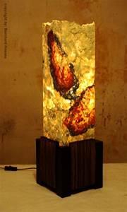 Stehlampe Aus Papier : stehlampe aus gegossenem papier und pappe bild kunst ~ A.2002-acura-tl-radio.info Haus und Dekorationen