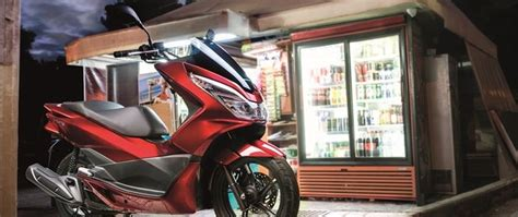 motorrad mit automatik honda pcx125 mit start stopp automatik motorrad news