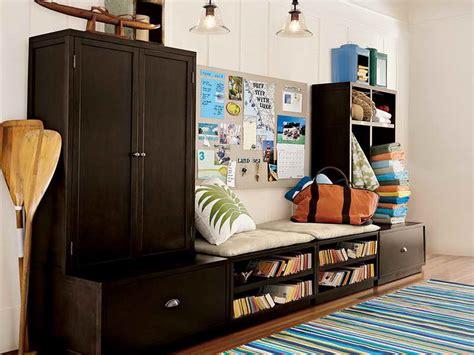 Ideas  Charming Ideas To Organize A Small Bedroom Ideas