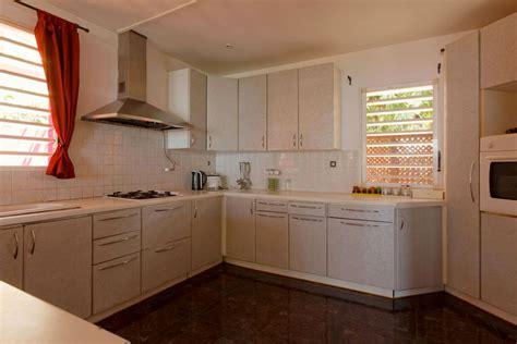 location equipement cuisine villa orchidées villa à louer sur nosy be entièrement