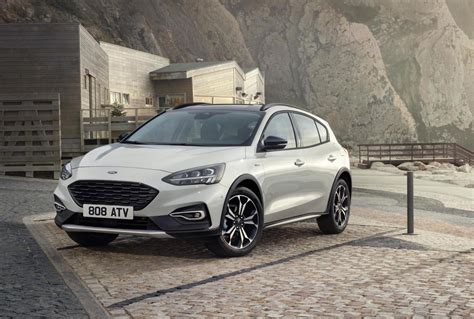 ford focus unveiled active crossover st  added