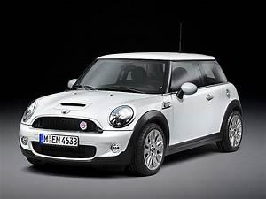 Mini White Silver : camden white silver white or black roof north american motoring ~ Maxctalentgroup.com Avis de Voitures