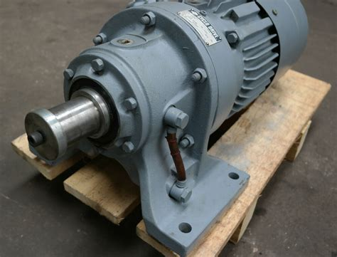Electric Motor Gearbox by Sumitomo Cyclo 2 Speed 2 2kw 1 1kw Electric Motor Brake