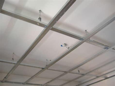 isolamento termico soffitto appartamento controsoffitto in cartongesso isolante acustico