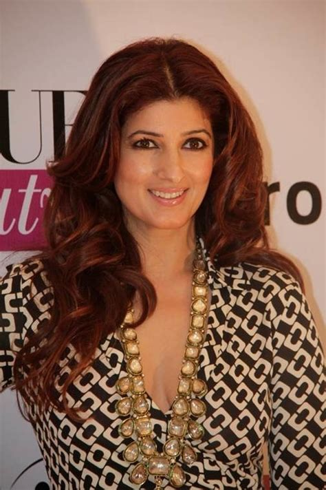 Top 10 Super Hot Moms Of Bollywood And Their Fashion Sense