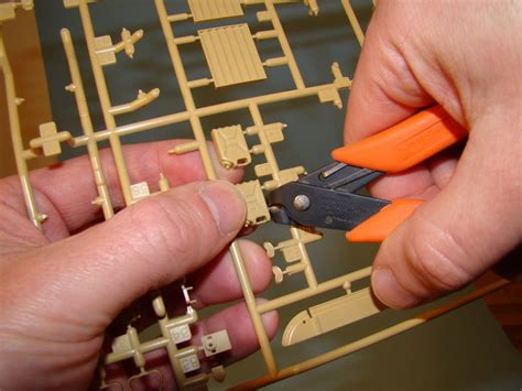 How To Remove Parts From Sprue  Scale Model Guide
