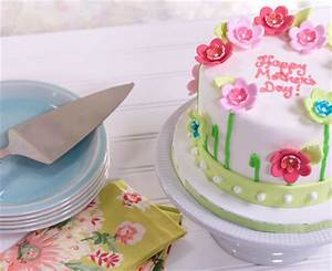 How To Make a Fondant Mother's Day Cake with SugarSoft