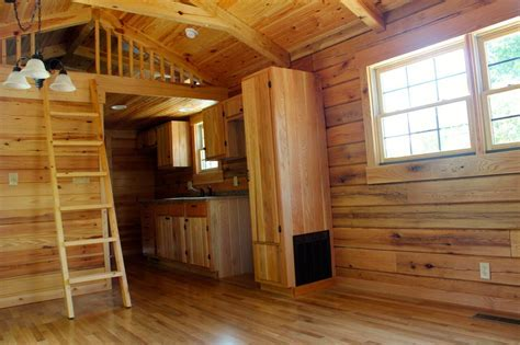 7 Awesome Log Cabins on Wheels   Log Cabin Hub