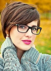 Moderne Brillen 2017 Damen : kurzhaarfrisuren 2018 damen mit brille ~ Frokenaadalensverden.com Haus und Dekorationen