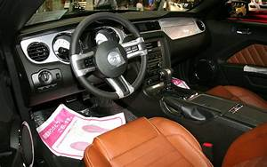 File:Ford Mustang V8 GT Coupe Premium interior.jpg - Wikimedia Commons