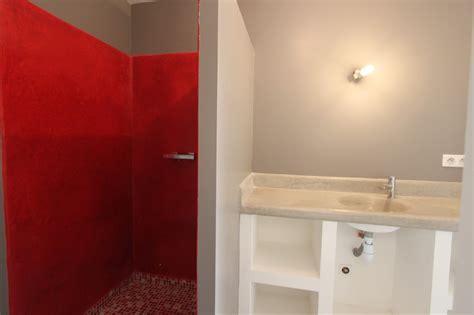 chambre d hote gites de salle de bain avec à l italienne et vasque en