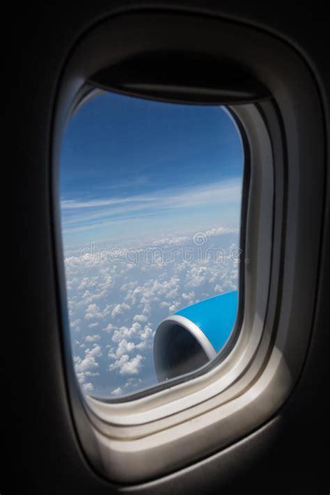 siege d avion siège et fenêtre d 39 avion à l 39 intérieur d 39 un avion image