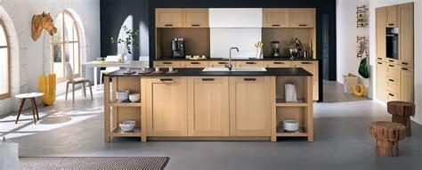 cuisine en chene blanchi cuisine moderne en bois photo 10 12 inspirée du style