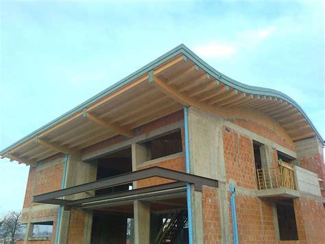 tettoie ondulato realizzazione coperture curve in legno su misura veneta