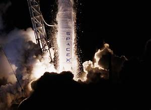 SpaceX launches Dragon Spacecraft - Photo 1 - Pictures ...