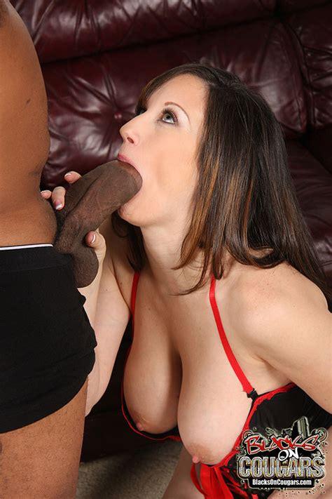 Mature Slut Stephanie Wylde Gets Interracial Fucked