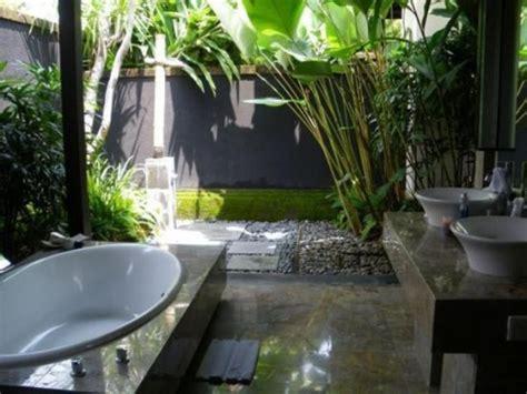 amazing tropical bathroom decor ideas digsdigs